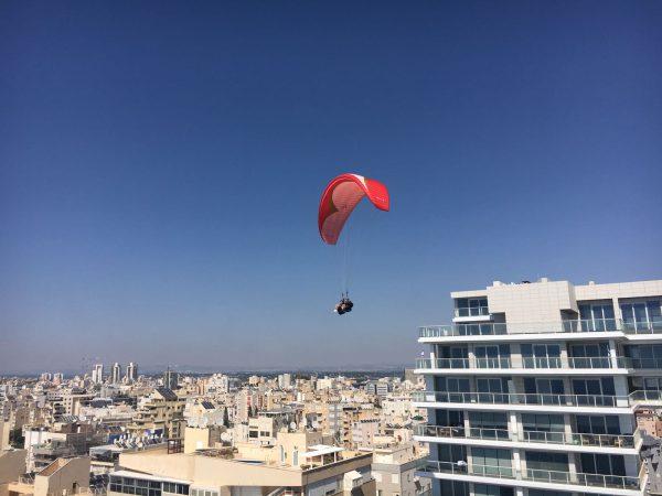 טיסה עם טרקטורון מעופף