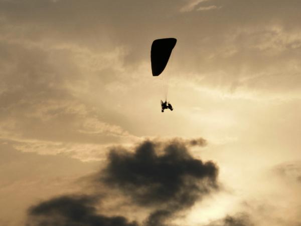 טרקטורון מעופף באוויר